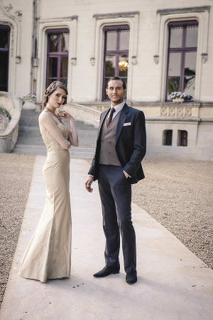 château-de-challain-bride-groom-outside-1