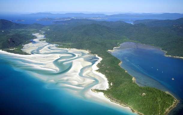whitehaven beach wedding